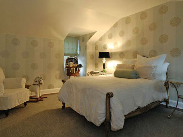 One of the bedrooms in Taylor Swift's...