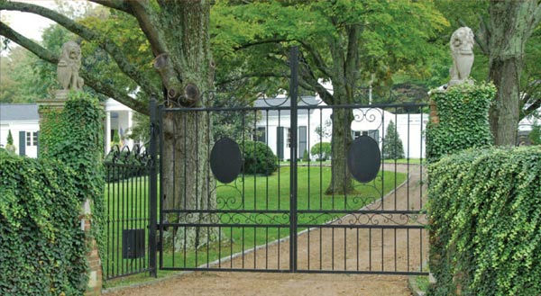 The front gate of Taylor Swift's four-bedroom, four-bathroom Northumberland Estate in Nashville, Tennessee, which she purchased for $2.5 million. The property was previously owned by Universal Music Group chairman Luke Lewis.