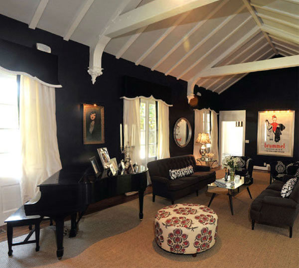 The living room in Taylor Swift's four-bedroom, four-bathroom Northumberland Estate in Nashville, Tennessee, which she purchased for $2.5 million. The property was previously owned by Universal Music Group chairman Luke Lewis.