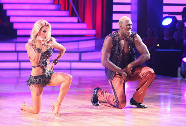 "<div class=""meta image-caption""><div class=""origin-logo origin-image ""><span></span></div><span class=""caption-text"">Los Angeles Laker Metta World Peace a.k.a. Ron Artest and his partner Peta Murgatroyd received 14 out of 30 from the judges for their Cha Cha Cha on the season premiere of 'Dancing With The Stars.' (ABC Photo/ Adam Taylor)</span></div>"