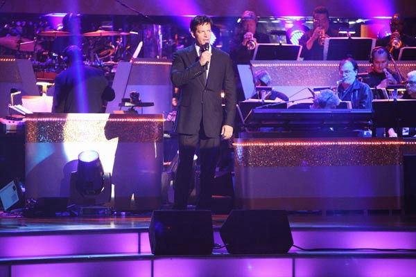 Harry Connick Jr. hit the 'Dancing With The Stars' stage to perform 'On a Clear Day You Can See