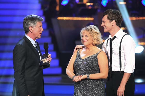 Nancy Grace and her partner Tristan Macmanus talk with &#39;Dancing With The Stars&#39; co-host Tom Bergeron after being safe from elimination on &#39;Dancing With The Stars: The Results Show&#39; on Tuesday, September 20, 2011.  <span class=meta>(ABC Photo&#47; Adam Taylor)</span>