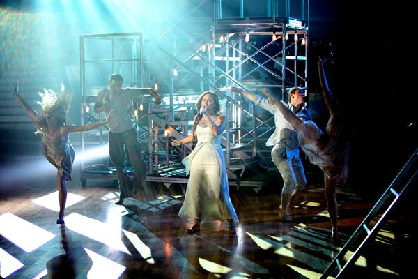 "<div class=""meta ""><span class=""caption-text "">Demi Lovato visited 'Dancing With The Stars' once again and performed 'Skyscraper' from her new album, 'Unbroken' on 'Dancing With The Stars: The Result Show' on Tuesday, September 27, 2011. (ABC Photo/ Adam Taylor)</span></div>"