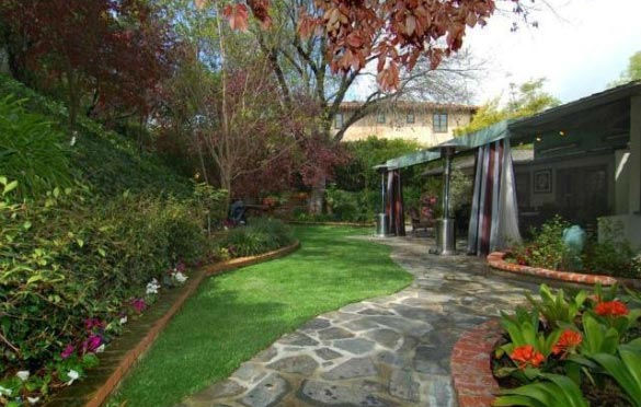 The garden at 'Gossip Girl' actress Leighton...