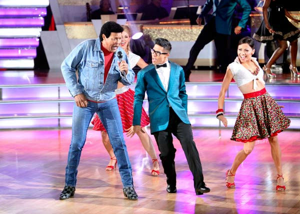 &#39;Macy&#39;s Stars of Dance&#39; paid tribute to &#39;The Twist&#39; to celebrate its 50th anniversary on &#39;Dancing With The Stars: The Result Show&#39; on Tuesday, October 4, 2011. The performance featured Grammy Award winner Estelle and Chubby Checker. <span class=meta>(ABC Photo&#47; Adam Taylor)</span>