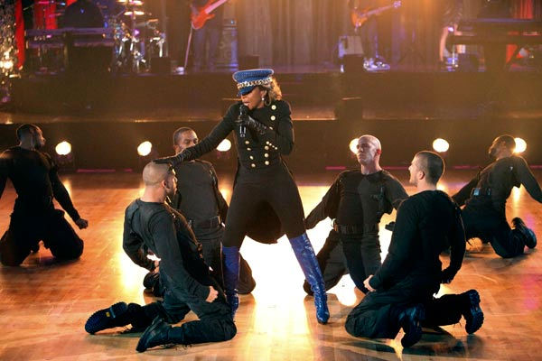 Mary J. Blige visited 'Dancing With The Stars' to perform her hit song 'Real Love' and new single '25/8' on 'Dancing With The Stars: The Result Show' on Tuesday, October 4, 2011.