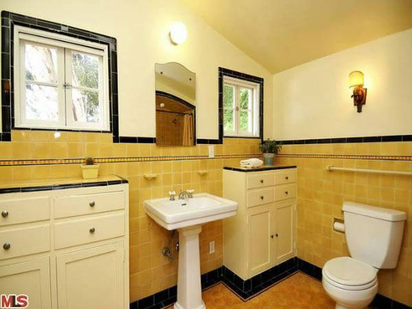 "<div class=""meta ""><span class=""caption-text "">A guest bathroom in Frances Bean Cobain's 3,350 square foot home, which the only child of Courtney Love and the late Kurt Cobain purchased for $1,825,000 in July, 2011. The property, which was built in 1930 by architect Carl Jules Weyl, has 4-bedrooms and 3.5 bathrooms. (Photo/MLS Listings)</span></div>"