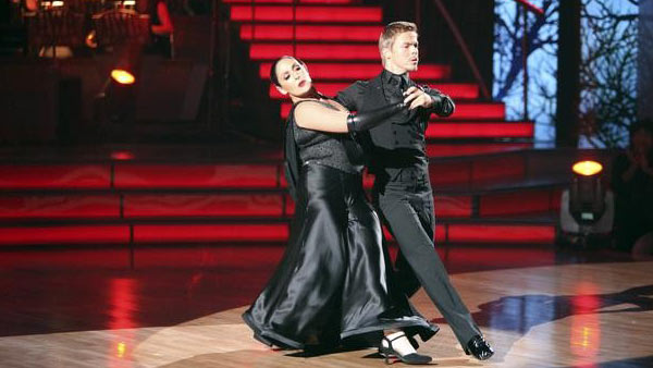 Talk show host and actress Ricki Lake and her partner Derek Hough received 29 out of 30 from the judges for their Tango on the October 3 episode of 'Dancing With The Stars.'