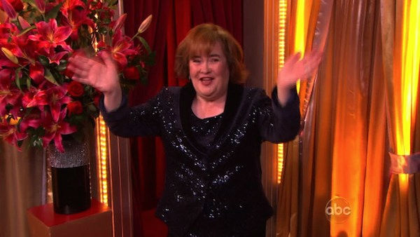 "<div class=""meta ""><span class=""caption-text "">Susan Boyle, graced the stage with a rendition of 'Unchained Melody' on 'Dancing With The Stars: The Result Show' on Tuesday, October 11, 2011. She was accompanied by pro dancers Val Chmerkovskiy and Peta Murgatroyd.  (ABC Photo)</span></div>"