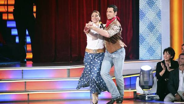 U.S. soccer star Hope Solo and her partner Maksim Chmerkovskiy received 24 out of 30 from the judges for their Fox Trot on the October 3 episode of &#39;Dancing With The Stars.&#39; <span class=meta>(Photo&#47;ABC)</span>