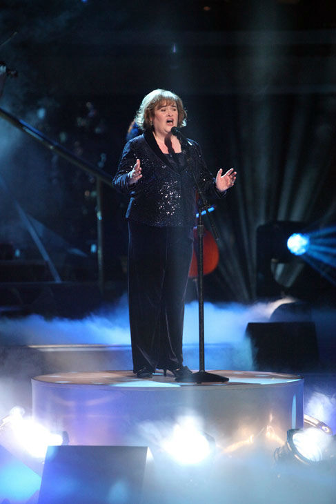 Susan Boyle, graced the stage with a rendition of &#39;Unchained Melody&#39; on &#39;Dancing With The Stars: The Result Show&#39; on Tuesday, October 11, 2011. She was accompanied by pro dancers Val Chmerkovskiy and Peta Murgatroyd.  <span class=meta>(ABC Photo&#47; Adam Taylor)</span>