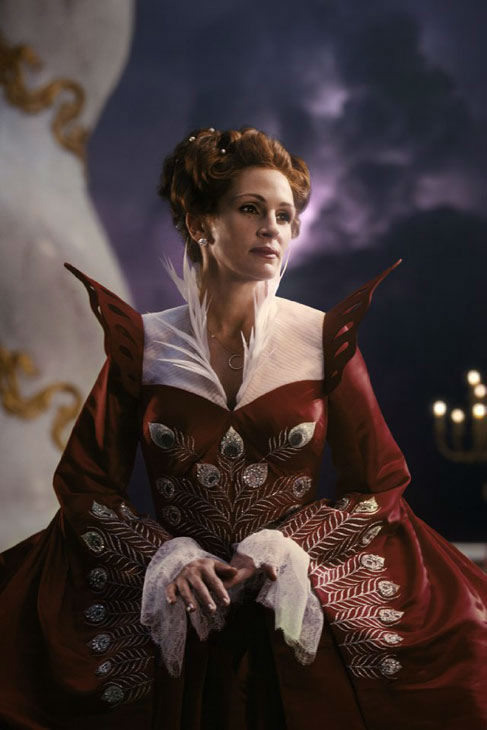 Julia Roberts appears in a scene from &#39;Mirror, Mirror,&#39; which is slated for release on March 16, 2012. <span class=meta>(Relativity Media &#47; Snow White Productions)</span>