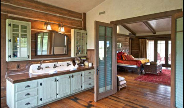 The master bathroom in the main house on Dennis Quaid&#39;s &#36;14 million ranch property, which the actor bought 25-years ago from director Sam Peckinpah and actor Warren Oates. The 5315 square foot home, which Quaid built in 2000 with architect Frank Cikan, has 3 bedrooms, 3 1&#47;2 bathrooms and features wide-plank hardwood floors salvaged from the Great Chicago Fire of 1871. There are also four guest houses, a ranch manager&#39;s home, a creek, horse facilities and an observatory. <span class=meta>(Photo&#47;Sothebysrealty.com)</span>