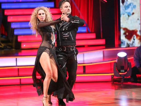 "<div class=""meta ""><span class=""caption-text "">Actor David Arquette and his partner Kym Johnson received 25 out of 30 from the judges for their Tango  on the October 17 episode of 'Dancing With The Stars.' (ABC Photo)</span></div>"