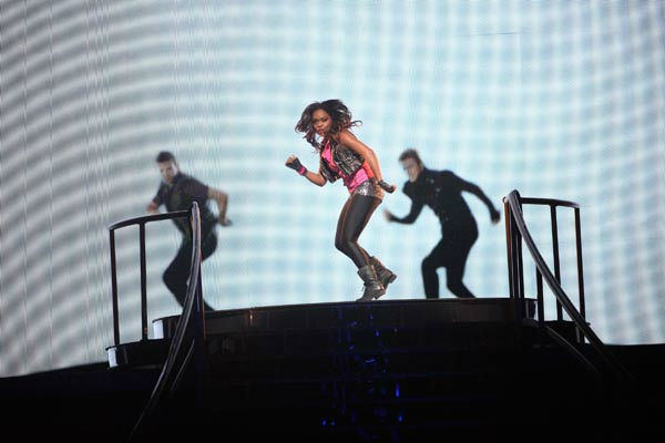 "<div class=""meta ""><span class=""caption-text "">This week also featured an 'AT&T Spotlight Performance' on Tuesday, Oct. 18, 2011 with this week's spotlight on Charm Ladonna. She performed with 'Dancing With The Stars' pros Mark Ballas and Derek Hough. (ABC Photo/ Adam Taylor)</span></div>"
