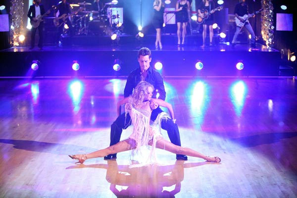 Kelly Clarkson hit the &#39;Dancing With the Stars&#39; stage on Tuesday, Oct. 18, 2011 to perform her new single, &#39;Mr. Know it All&#39; off her upcoming album, &#39;Stronger.&#39; &#40;Pictured: TRISTAN MACMANUS, KYM JOHNSON&#41; <span class=meta>(ABC Photo&#47; Adam Taylor)</span>