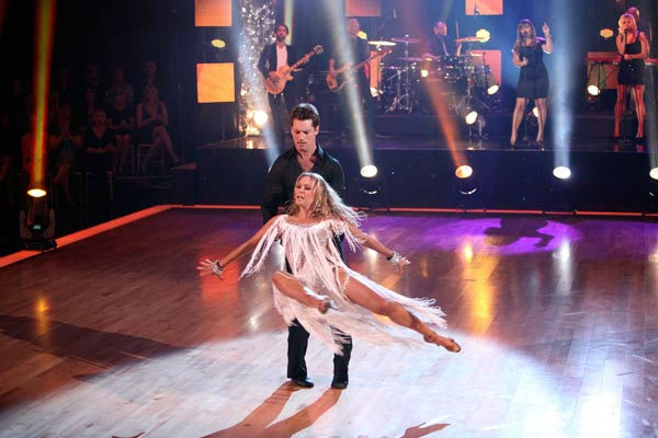 "<div class=""meta image-caption""><div class=""origin-logo origin-image ""><span></span></div><span class=""caption-text"">DANCING WITH THE STARS THE RESULTS SHOW - ""Episode 1305A"" - American pop singer/songwriter Kelly Clarkson performed the first single ""Mr. Know It All"" off her upcoming album, ""Stronger,"" accompanied by pro dancers Tristan MacManas and Kym Johnson, on ""Dancing with the Stars the Results Show,"" TUESDAY, OCTOBER 18 (9:00-10:01 p.m., ET), on the ABC Television Network. (ABC/ADAM TAYLOR)  (ABC Photo/ Adam Taylor)</span></div>"