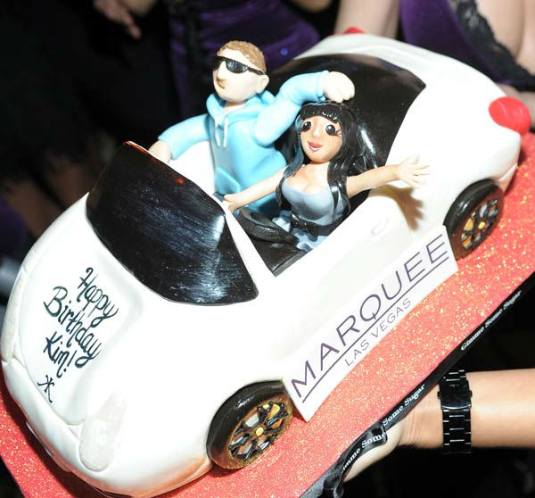 Kim Kardashian's birthday Cake at Kim...