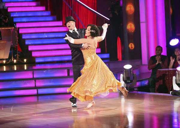 Talk show host and actress Ricki Lake and her partner Derek Hough received 29 out of 30 from the judges for their Quickstep on the October 24 episode of 'Dancing With The Stars.'