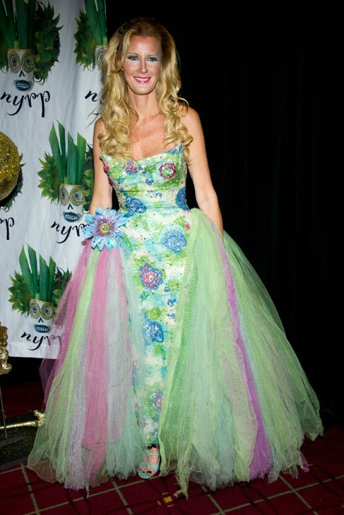 "<div class=""meta ""><span class=""caption-text "">Celebrity chef Sandra Lee attends Bette Midler's Hulaween gala benefit for the New York Restoration Project, in New York, Friday, Oct. 28, 2011.  (AP Photo/Charles Sykes)</span></div>"