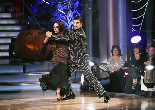 'Keeping Up With The Kardashians' star Rob Kardashian and his partner Cheryl Burke received 25 out of 30 from the judges for their Tango on the October 31 episode of 'Dancing With The Stars.'