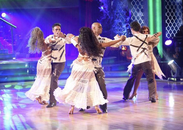Team Tango, which included contestants David Arquette and his partner Kym Johnson, J.R. Martinez and his partner Karina Smirnoff and Nancy Grace and her partner Tristan Macmanus performed on the October 31 episode &#39;Dancing With The Stars.&#39; The team earned 23 points out of 30 for their performance. <span class=meta>(ABC Photo)</span>
