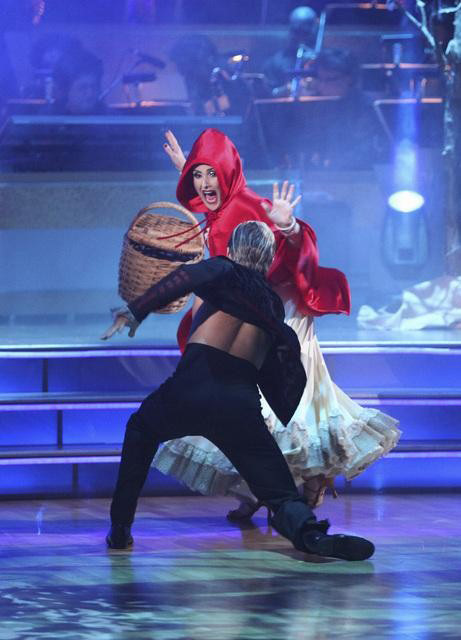 Talk show host and actress Ricki Lake and her partner Derek Hough received 27 out of 30 from the judges for their Paso Doble on the October 31 episode of 'Dancing With The Stars.'