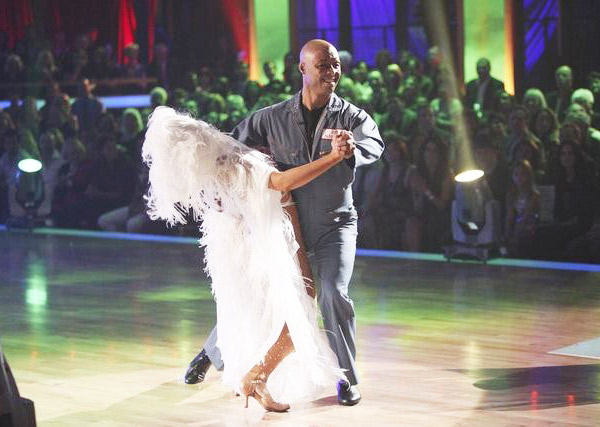 'All My Children' actor and Iraq War veteran J.R. Martinez and his partner Karina Smirnoff received 25 out of 30 from the judges for their Tango on the October 31 episode 'Dancing With The Stars.'