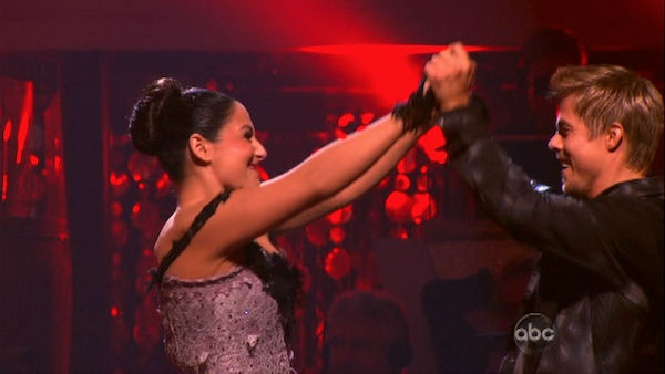 "<div class=""meta ""><span class=""caption-text "">Talk show host and actress Ricki Lake and her partner Derek Hough react to being safe on 'Dancing With The Stars: The Results Show' on Tuesday, November 1, 2011. The pair received 27 out of 30 from the judges for their Paso Doble on the October 31 episode of 'Dancing With The Stars.' (OTRC Photo)</span></div>"