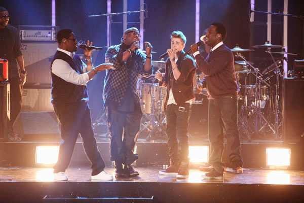 "<div class=""meta image-caption""><div class=""origin-logo origin-image ""><span></span></div><span class=""caption-text"">Justin Bieber was joined by Boyz II Men for a television premiere performance of 'Fa La La' on 'Dancing With The Stars: The Results Show' on Tuesday, November 1, 2011. The song, which is off Bieber's debut Christmas album 'Under the Mistletoe,' was accompanied by pro dancers Mark Ballas and Chelsie Hightower. (ABC Photo/ Adam Taylor)</span></div>"