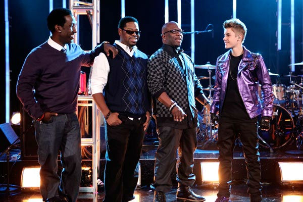 "<div class=""meta ""><span class=""caption-text "">Justin Bieber was joined by Boyz II Men for a television premiere performance of 'Fa La La' on 'Dancing With The Stars: The Results Show' on Tuesday, November 1, 2011. The song, which is off Bieber's debut Christmas album 'Under the Mistletoe,' was accompanied by pro dancers Mark Ballas and Chelsie Hightower. (ABC Photo/ Adam Taylor)</span></div>"