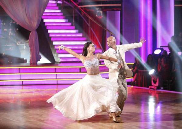 'All My Children' actor and Iraq War veteran J.R. Martinez and his partner Karina Smirnoff received 30 out of 30 from the judges for their Waltz and 30 out of 30 for their Instant Jive, for a total of 60 on the November 7 episode of 'Dancing With The Star