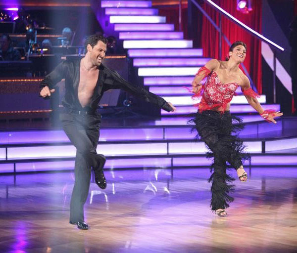 "<div class=""meta image-caption""><div class=""origin-logo origin-image ""><span></span></div><span class=""caption-text"">U.S. soccer star Hope Solo and her partner Maksim Chmerkovskiy received 27 out of 30 from the judges for their Quickstep and 25 points out of 30 for their Instant Jive, for a total of 52 points on the November 7 episode of 'Dancing With The Stars.' (ABC)</span></div>"