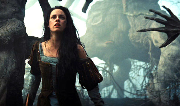 "<div class=""meta ""><span class=""caption-text "">Kristen Stewart appears in a still from 'Snow White and the Huntsman,' which is slated for release on June 1, 2012. (FilmEngine / Universal Pictures)</span></div>"