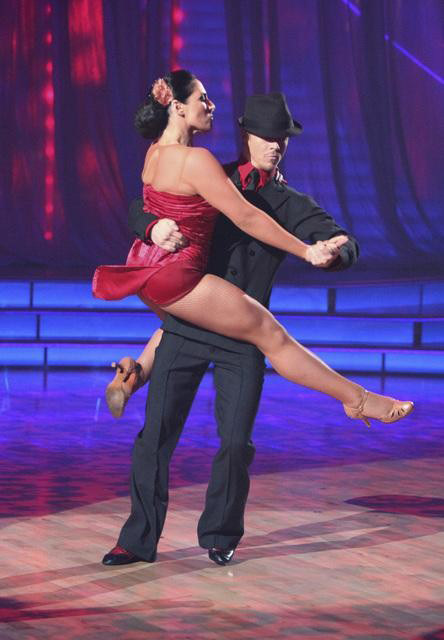 Talk show host and actress Ricki Lake and her partner Derek Hough received received 30 out of 30 from the judges for their Paso Doble and 29 out of 30 for their Argentine Tango and 8 bonus points for their Cha Cha relay for a total of 67 points on the Nov