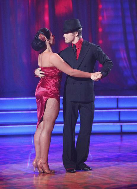 Talk show host and actress Ricki Lake and her partner Derek Hough received received 30 out of 30 from  the judges for their Paso Doble and 29 out of 30 for their Argentine Tango and 8 bonus points for their Cha Cha relay for a total of 67 points on the November 14 episode of &#39;Dancing With The Stars.&#39; <span class=meta>(ABC Photo&#47; ABC)</span>
