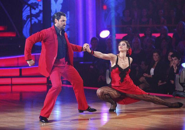 U.S. soccer star Hope Solo and her partner Maksim Chmerkovskiy received 21 out of 30 from the judges for their Paso Doble and 24 out of 30 for their Argentine Tango and 4 bonus points for their Cha Cha relay for a total of 49 points on the November 14 epi