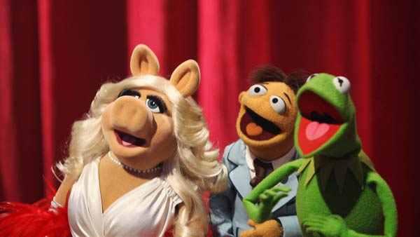 The cast of Disney's 'The Muppets' took over the...