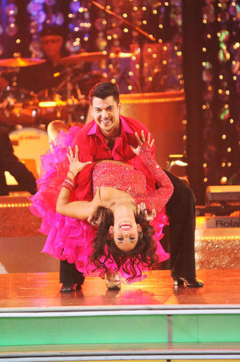 'Keeping Up With The Kardashians' star Rob Kardashian and his partner Cheryl Burke performed an encore of their Samba on 'Dancing With The Stars: The Results Show' on Tuesday, November 15, 2011.