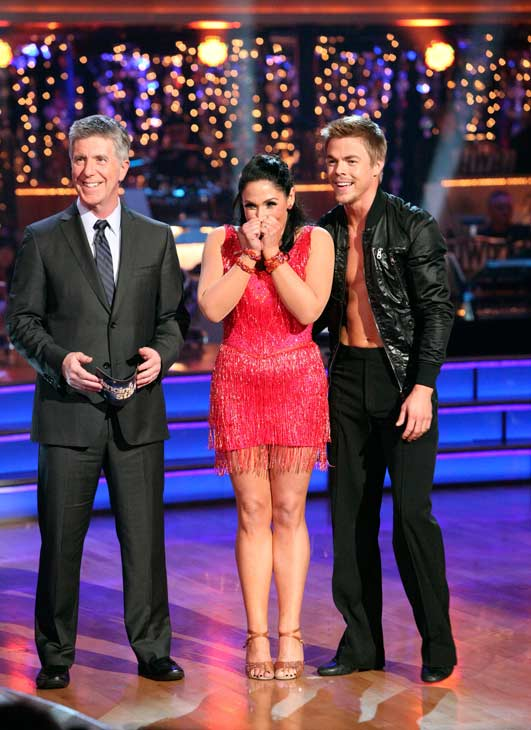 Talk show host and actress Ricki Lake and her partner Derek Hough received 27 out of 30 from the judges for their Cha Cha Cha and 27 out of 27 for their Freestyle dance for a total of 54 out of 60 points on the November 21 episode of 'DWTS.'