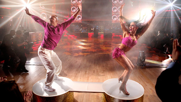 'All My Children' actor and Iraq War veteran J.R. Martinez and his partner Karina Smirnoff received 24 out of 30 from the judges for their Cha Cha Cha and 30