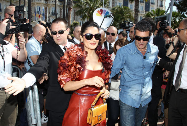 Actor Antonio Banderas (L) and actress Salma...
