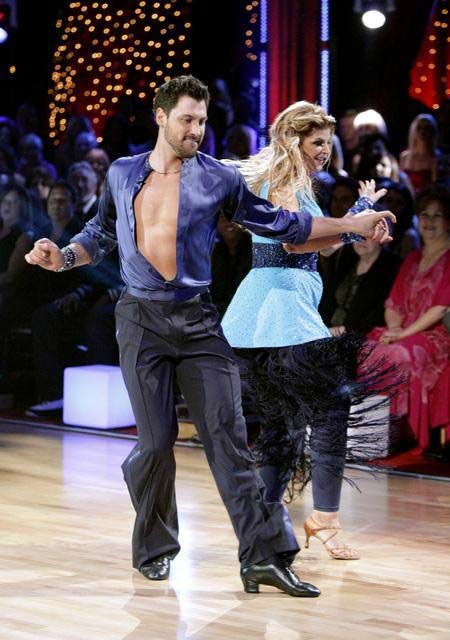 "<div class=""meta image-caption""><div class=""origin-logo origin-image ""><span></span></div><span class=""caption-text"">Kirstie Alley and her partner Maksim Chmerkovskiy dance an Argentine Tango and a Salsa on week eight of 'Dancing With The Stars.' The judges gave the couple 28 out of 30 for their Argentine Tango and 25 points out of 30 for their Salsa. The couple earned a total of 53 out of 60. (ABC/ Adam Taylor)</span></div>"