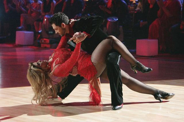 Kirstie Alley and her partner Maksim Chmerkovskiy danc