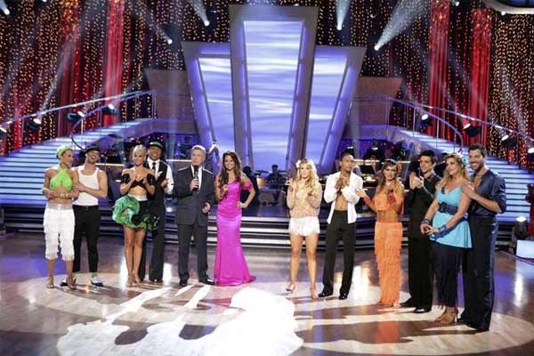 Five remaining pairs on &#39;Dancing With The Stars&#39; performed two individual dances, one ballroom number and one &#39;Instant Dance,&#39; in which couples had to master a number to music they had been given for the first time after the show&#39;s broadcast had begun. <span class=meta>(ABC&#47; Adam Taylor)</span>