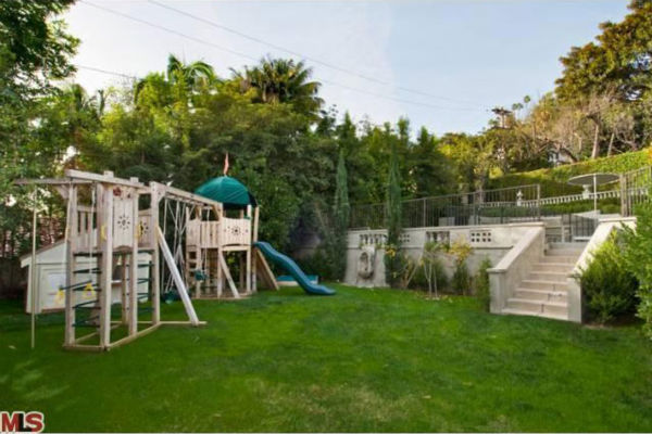 "<div class=""meta ""><span class=""caption-text "">Katy Perry and Russell Brand's Los Angeles home. The four-bedroom, four and a half-bathroom house is 4,700 square feet and was put on the market in the spring of 2011 for $3.3 million. (Photo/MLS)</span></div>"