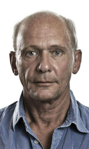 "<div class=""meta ""><span class=""caption-text "">Mats Andersson as Gunnar Nilsson Mats Andersson stars as Gunnar Nilsson, the caretaker of Vanger's estate. He was a teen when Harriet disappeared and is described as being good with firearms.  (Pictured: Andersson in a promotional still for 'The Girl With The Dragon Tattoo.') (Columbia Pictures / MGM)</span></div>"