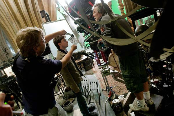 "<div class=""meta image-caption""><div class=""origin-logo origin-image ""><span></span></div><span class=""caption-text"">Daniel Radcliffe films a scene for the 2011 film 'Harry Potter and the Deathly Hallows - Part 2.' (Warner Bros. Pictures)</span></div>"