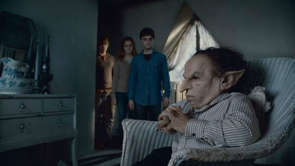 "<div class=""meta ""><span class=""caption-text "">Ron Weasley (Rupert Grint), Hermione Granger (Emma Watson), Harry Potter (Daniel Radcliffe) and Griphook (Warwick Davis) appear in a scene from the 2011 film 'Harry Potter and the Deathly Hallows - Part 2.' (Warner Bros. Pictures)</span></div>"