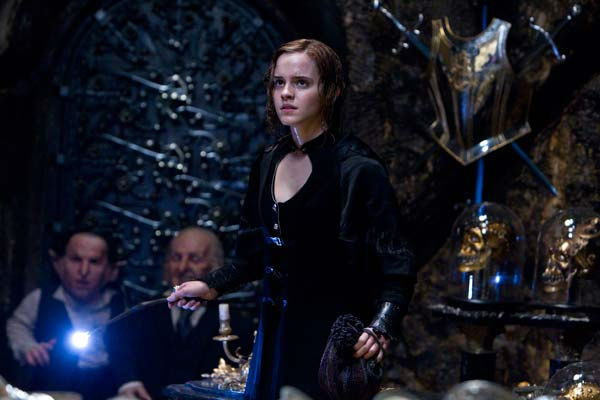 Griphook &#40;Warwick Davis&#41;, Bogrod &#40;Jon Key&#41; and Hermione Granger &#40;Emma Watson&#41; appear in a scene from the 2011 film, &#39;Harry Potter and the Deathly Hallows - Part 2.&#39; <span class=meta>(Warner Bros. Pictures)</span>